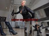 Foto zu Blogeintrag Leather slave humiliation!