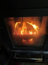 Foto zu Blogeintrag Vor dem prasselnden Kaminfeuer