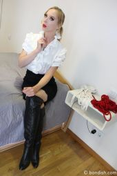 Foto zu Blogeintrag NEUER CLIP: Bondage-Bestrafung von der Chefin