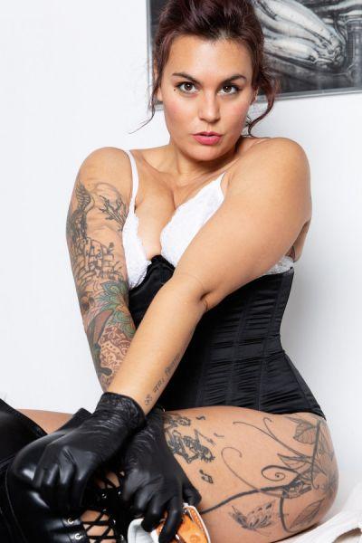 Bizarr Lady Jessy Schwarz