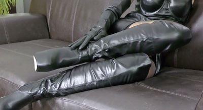 Bizarrlady Stella, neue schwarze Leder Overknees Stiefel